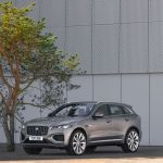 Facelift important Jaguar F-Pace: Plug-In Hybrid în premieră, diesel cu 6 cilindri nou și interior complet schimbat
