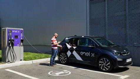 Enel X România instalează 25 de stații de încărcare în mall-urile din 12 orașe