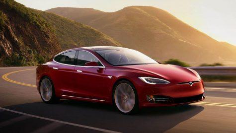 Autoturismele Tesla, acuzate că își spionează proprietarii