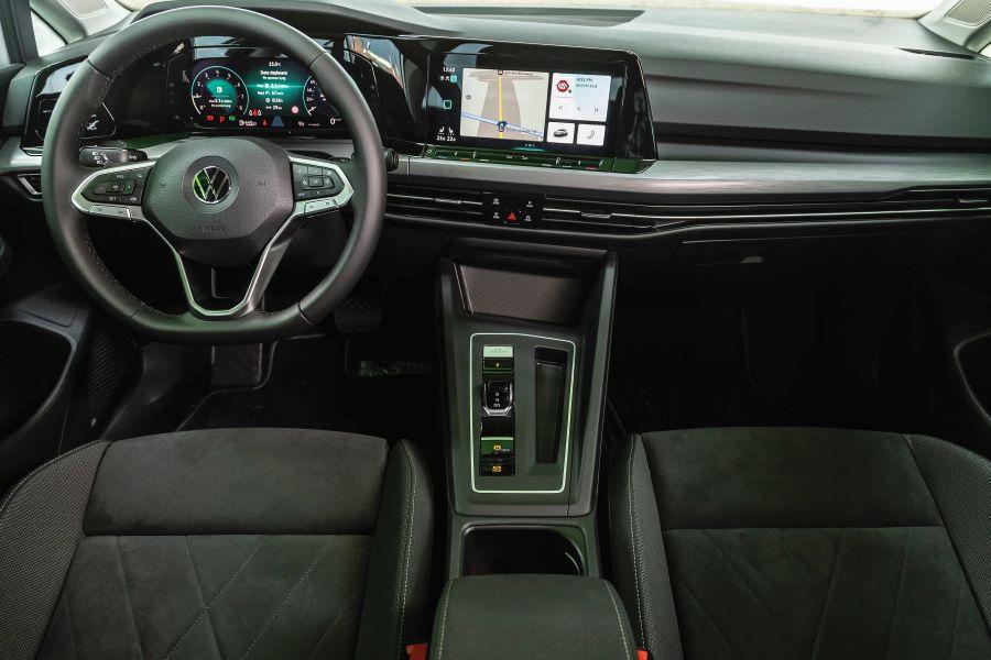 bord VW Golf 1.5 eTSI