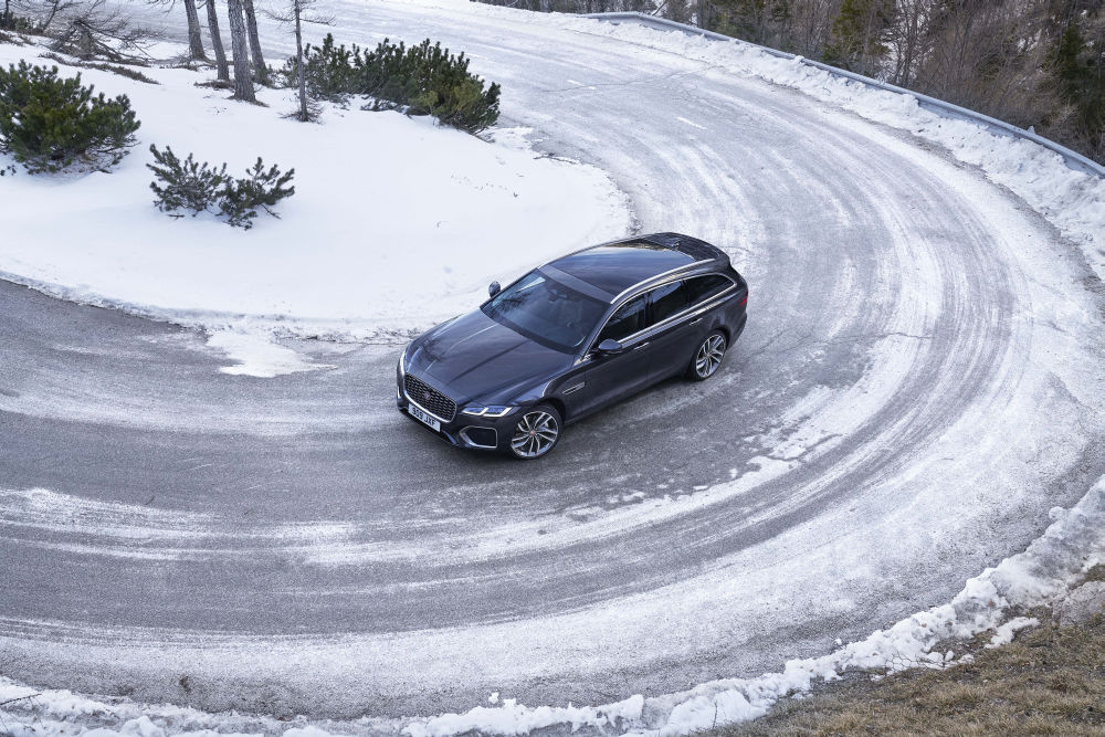 Jaguar XF si XF Sportbrake
