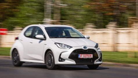 Test Toyota Yaris Hybrid: Pic, pic, pic!