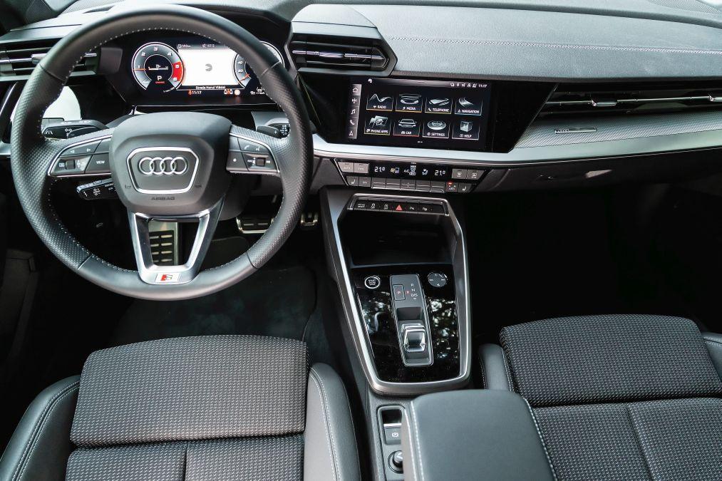 plansa de bord Audi A3 2020
