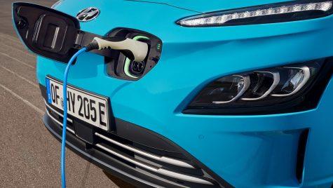 Proiect de lege: plăcuțe de îmatriculare diferite pentru automobilele electrice și hibride