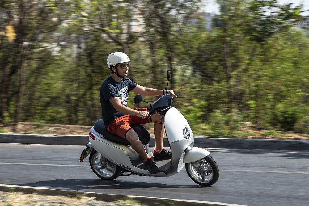 Scuter electric Ecooter vehicule electrice autoexpert.ro