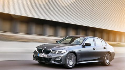 Noi versiuni entry-level PHEV pentru BMW Seria 3 și Seria 5