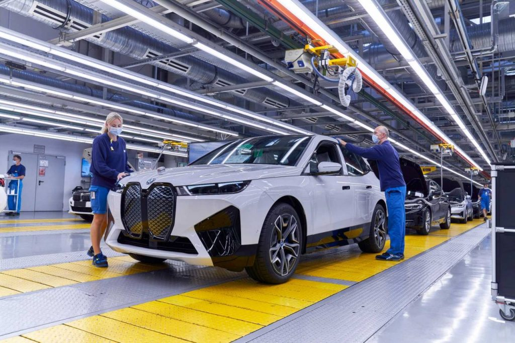 BMW iX productie