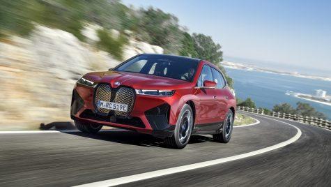 SUV-ul electric BMW iX va fi disponibil în două variante de putere