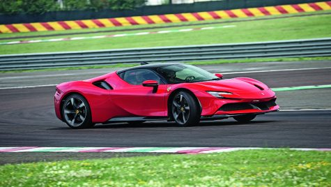 Test drive Ferrari SF90 Stradale