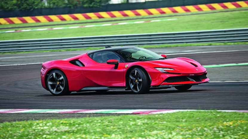 Ferrari SF90 Stradale autoexpert.ro
