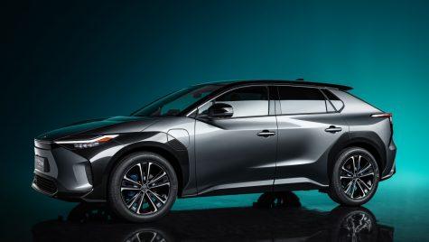 Toyota bZ4X concept anunță viitorul SUV electric al mărcii japoneze