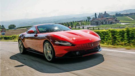 Test drive Ferrari Roma