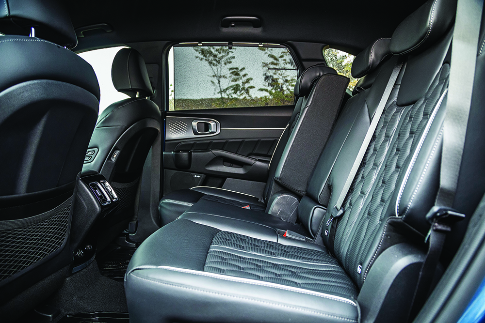 Kia Sorento 1.6 T-GDI HEV 4 × 4 autoexpert.ro