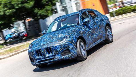 Noi imagini teaser cu SUV-ul Maserati Grecale