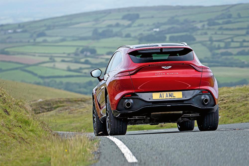Test drive Aston Martin DBX autoexpert.ro