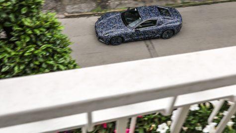 Maserati GranTurismo electric: primele imagini cu prototipul camuflat