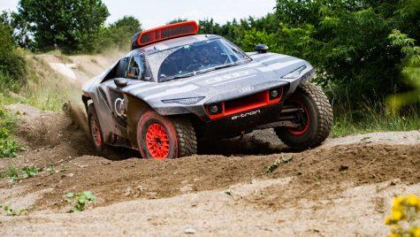 Audi RS Q e-tron este modelul dedicat pentru rally-raid-ul Dakar