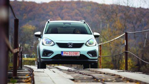 Test drive Honda Jazz Crosstar e:HEV