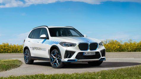 BMW iX5 Hydrogen: primele imagini cu prototipul SUV-ul alimentat cu hidrogen