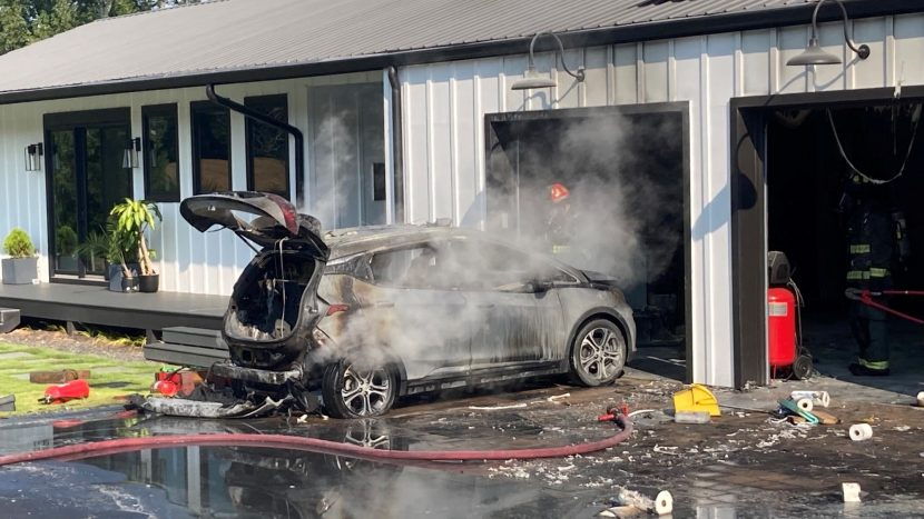 Chevrolet Bolt ia foc din senin autoexpert.ro