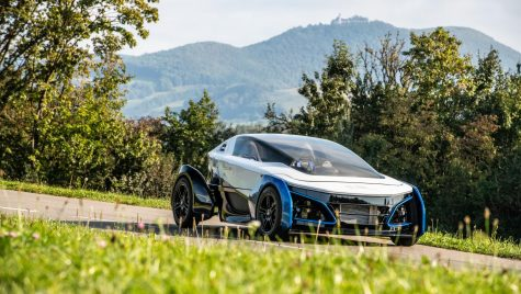 Coupe fuel cell de 15.000 de euro, cu 400 km autonomie