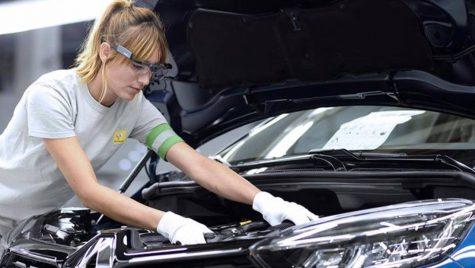 Renault, nevoit să extindă oprirea temporară a uzinelor sale din Spania