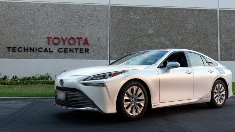 Nou record pentru Toyota Mirai: 1360 km cu un singur plin de hidrogen