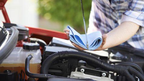 Majoritatea șoferilor nu realizează verificări regulate pentru nivelul uleiului de motor