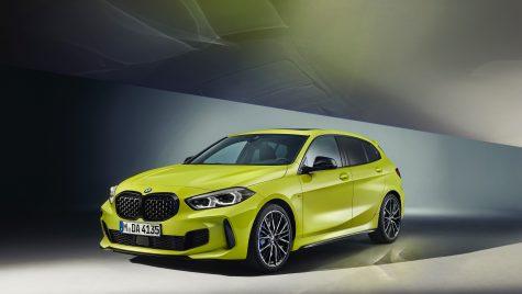 BMW M135i xDrive: update pentru suspensie și culori noi