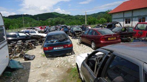 Piesele auto din dezmembrări: soluție salvatoare sau pericol pe șosea?