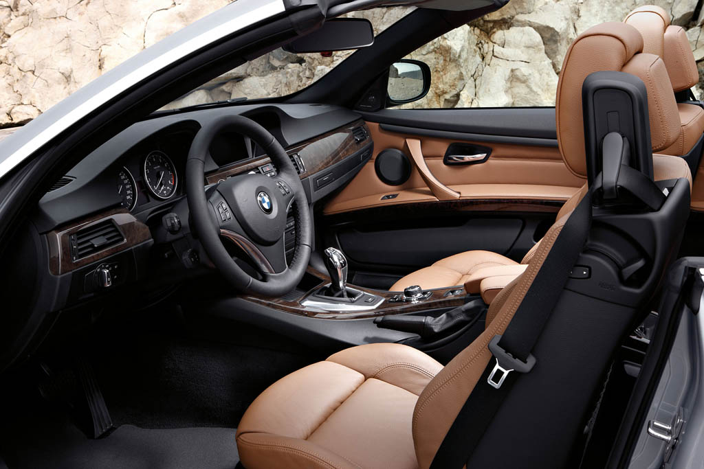 161_bmw_seria_3_cabriolet_interior_big_3100x2067