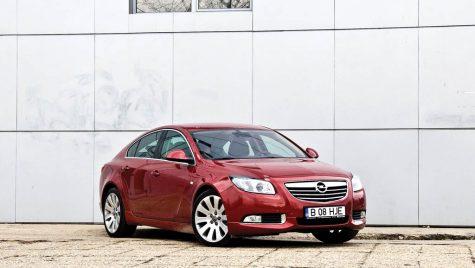 Opel Insignia 2.0 Turbo 220 CP AWD