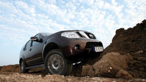 Nissan Pathfinder 2.5 dCi 190 CP