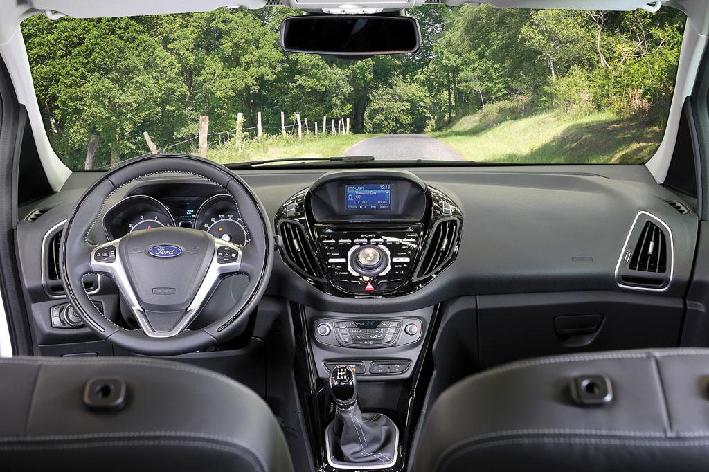 425_Ford_B-MAX_interior_1