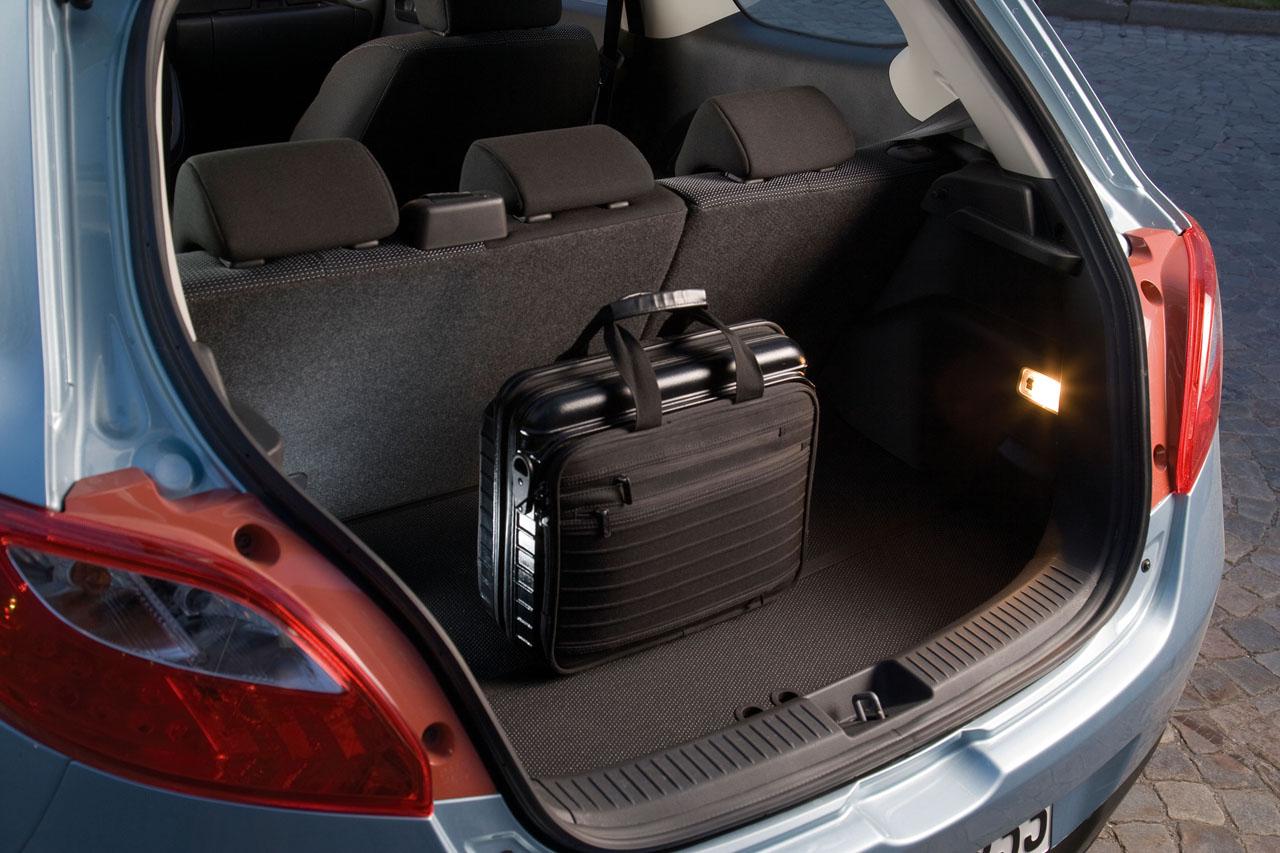 Mazda2 generația a 2-a autoexpert.ro