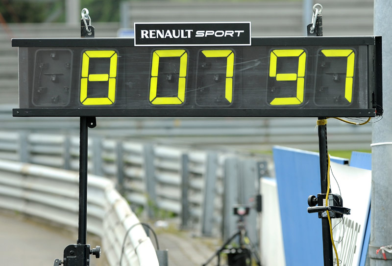 1019_images_Renault_28858_1_6
