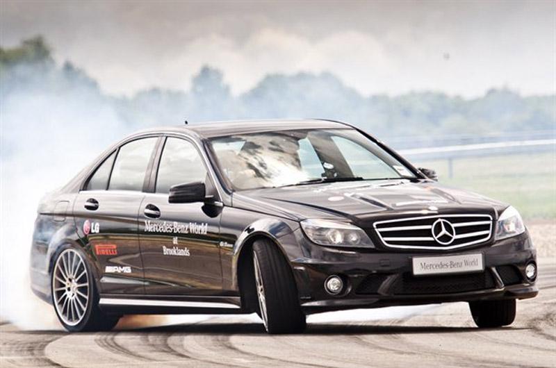 1024_Mercedes-Benz-2061111113811601600x1060