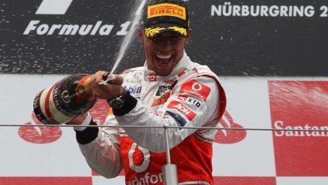 Hamilton victorios pe Nurburgring