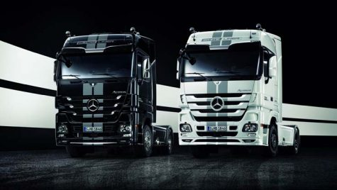 Actros Black/White Liner