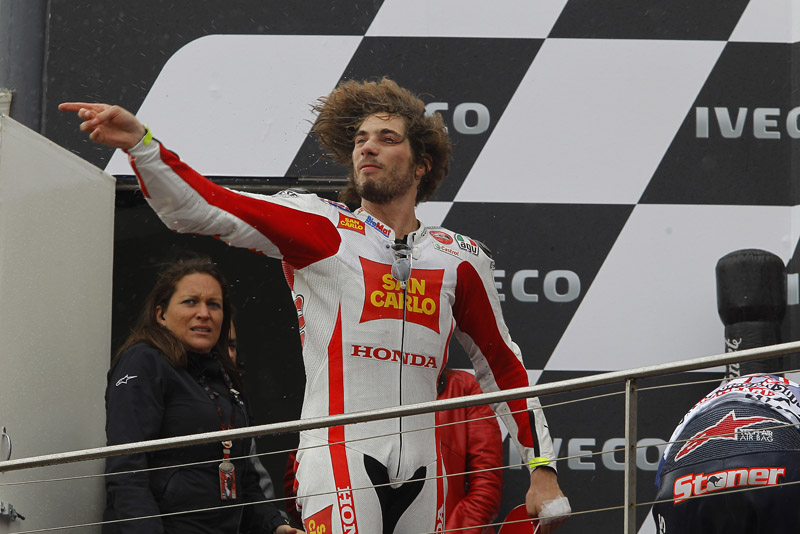 1403_1312_R16_Simoncelli_podium