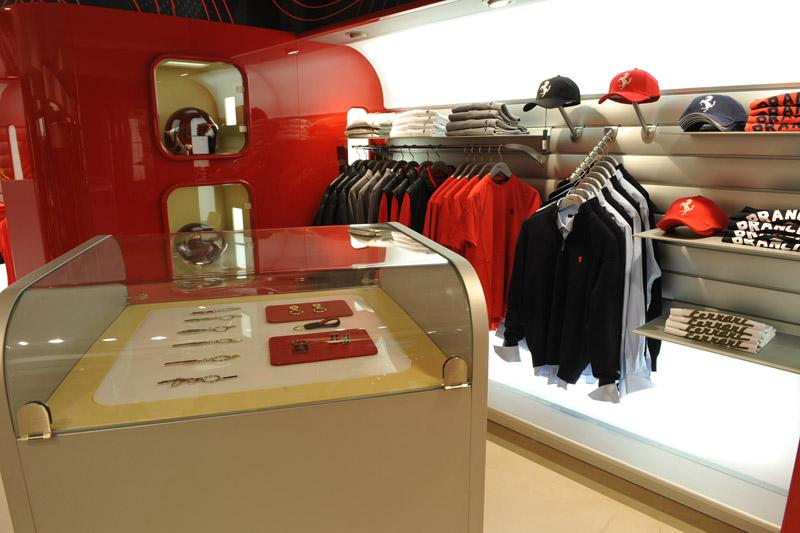 1419_Ferrari_Store_Bucuresti