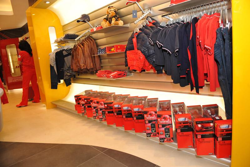 1419_Ferrari_Store_Bucuresti2