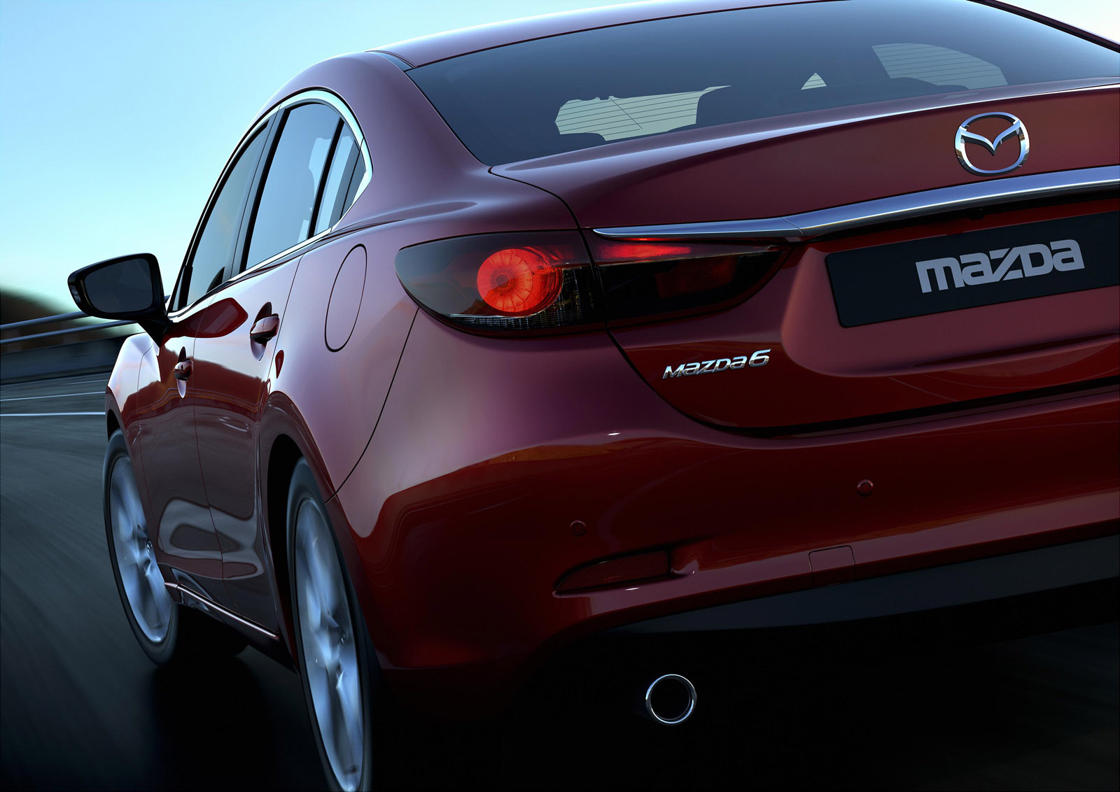 1908_588623_Mazda6_Sedan_2012_action_05