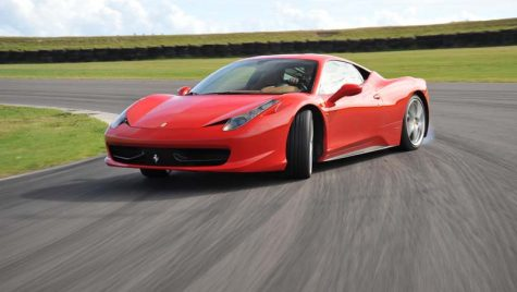 "458 Italia – ""Performance Car of the Year 2010"""