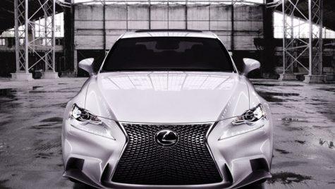 Lexus IS vrea să tulbure apele teutone din clasa medie