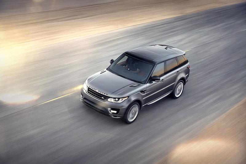 2202_LR_Range_Rover_Sport_Dynamic_09