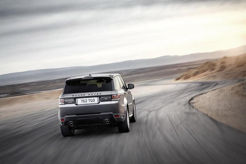 2202_LR_Range_Rover_Sport_Dynamic_10