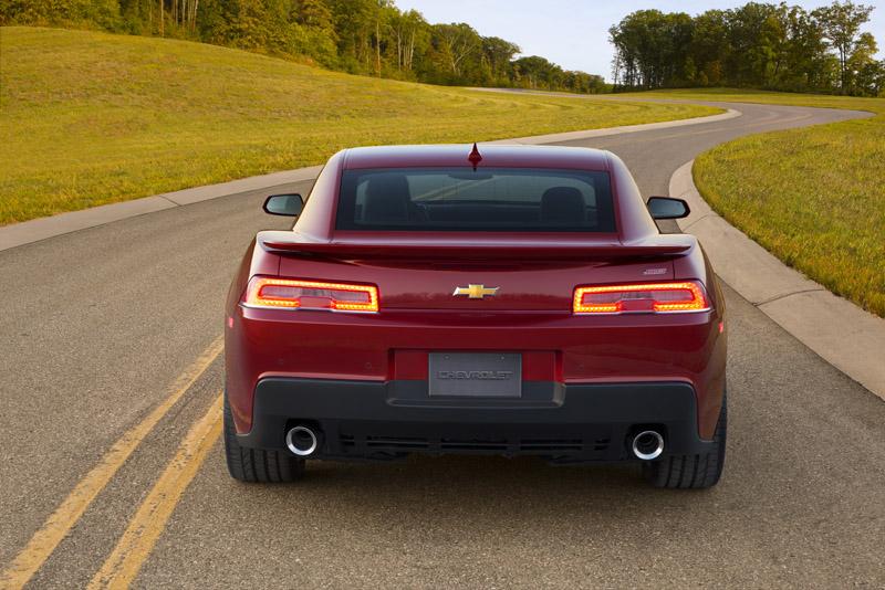 2207_2014-Chevrolet-CamaroSS-013