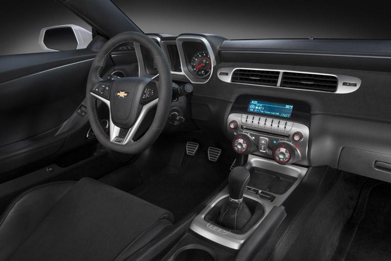 2207_2014-Chevrolet-CamaroZ28-008