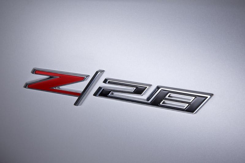 2207_2014-Chevrolet-CamaroZ28-009